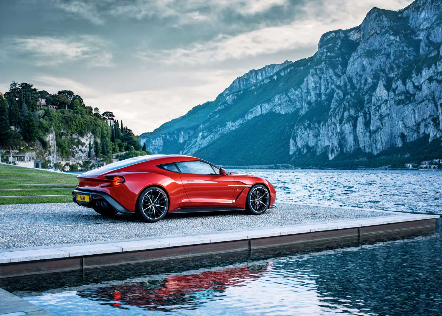 AstonMartinlayv5